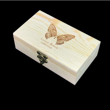Manžetové gombíky s motýlikom z peria bielej farby - 3